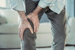 Here's What Happens If You Don't Do Physical Therapy After Knee Surgery