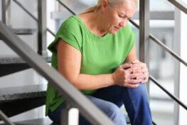 Sharp Knee Pain Down Stairs